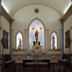 Altar da capela: São Luís é o padroeiro. Foto de Luciano Mascaro