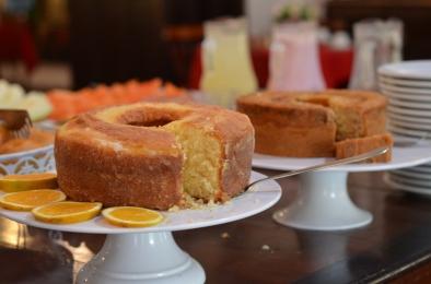Café da manhã da Vila Hibisco: saboroso e farto